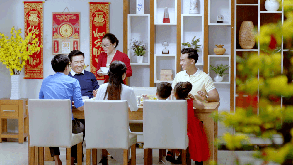 The meaning of the year-end meal on Tet holiday with Vietnamese people